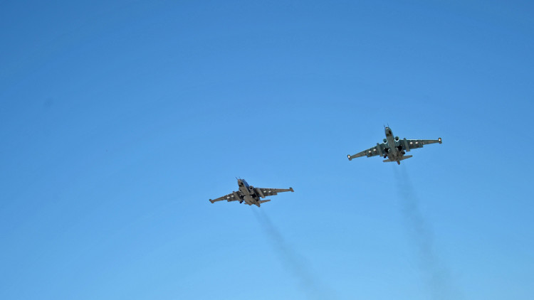روغوزين: مهارة قواتنا الجوية تسمح بتجنب سقوط ضحايا مدنيين في سوريا