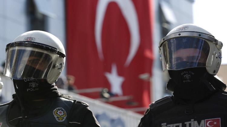 الشرطة التركية تعتقل شخصين للاشتباه في إعدادهما لهجوم انتحاري ليلة رأس السنة