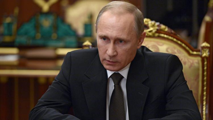 2015.. عام حافل بالتحديات للرئيس بوتين