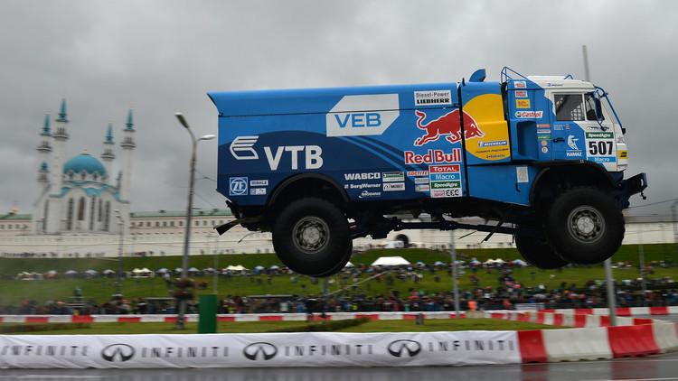 كماز الروسي يفوز بالمرحلة الأولى من رالي الشاحنات