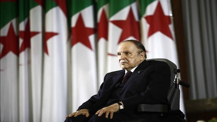الرئيس الجزائري يصادق على موازنة عام 2016