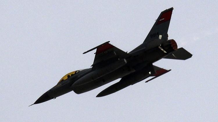 مقتل 15 مسلحا بغارات الطيران المصري في سيناء