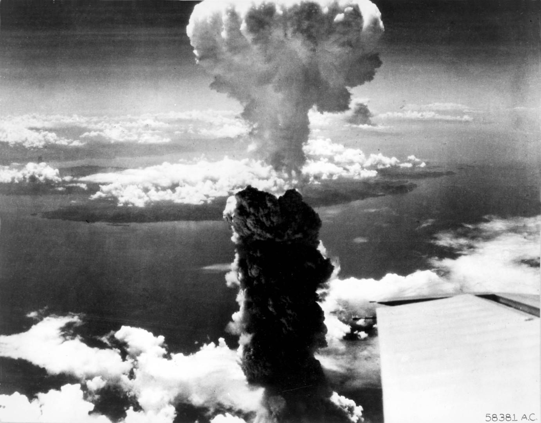 من ألقى بقنابل نووية في أعماق المحيطات؟