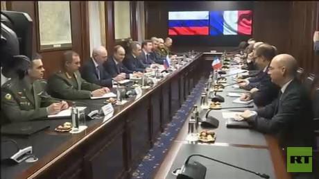 محادثات عسكرية روسية فرنسية في موسك