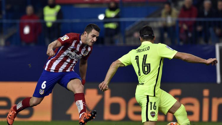 أتلتيكو مدريد ينتزع صدارة الليغا من برشلونة