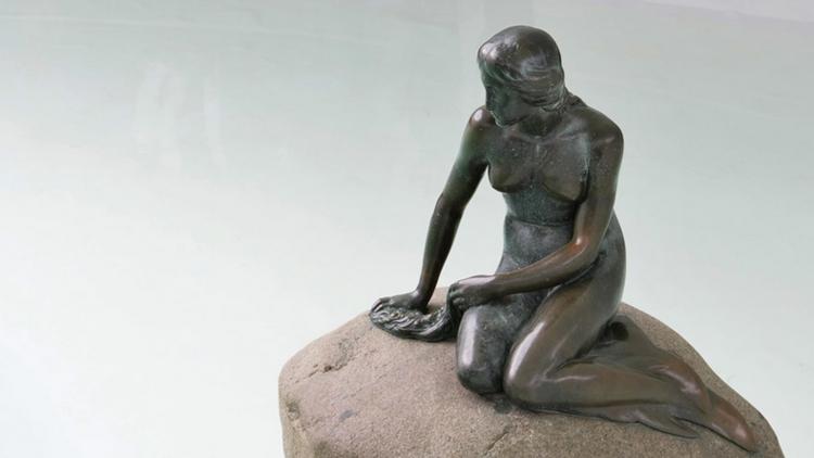 فيسبوك يعتبر صورة تمثال حورية البحر في الدنمارك تلميحا جنسيا
