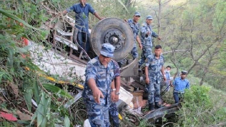 مقتل 13 شخصا بسقوط حافلة في مستنقع شمال شرق الهند