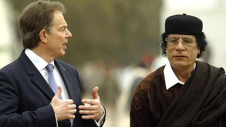 بلير حذر القذافي وطلب منه الاختباء قبل الاطاحة به