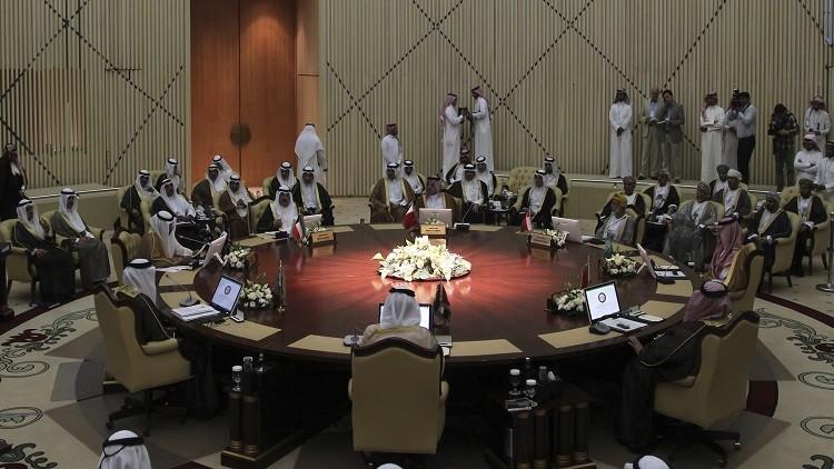 ظریف يتهم السعودية بدعم التطرف والعمل على إفشال الاتفاق النووي