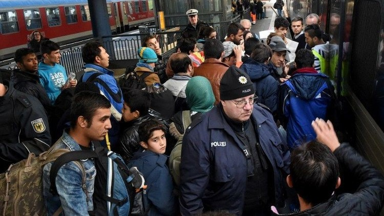الدنمارك تعدل مشروع قانون يتيح مصادرة مقتنيات المهاجرين الثمينة