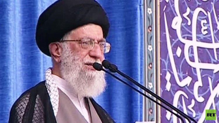 خامنئي يدعو جميع الإيرانيين إلى المشاركة في الانتخابات المقبلة