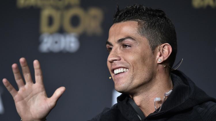 رونالدو: أحب كرة القدم وكسر الأرقام