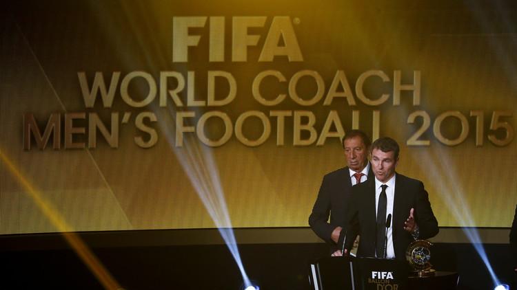 لويس إنريكي أفضل مدرب في العالم لعام 2015 .. (صور)