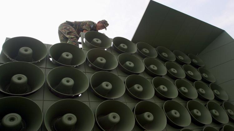 الكوريتان تتبادلان القصف عبر مكبرات الصوت