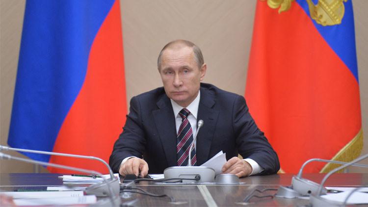 بوتين يحث الحكومة لتكون جاهزة لأي تطور في الوضع الاقتصادي