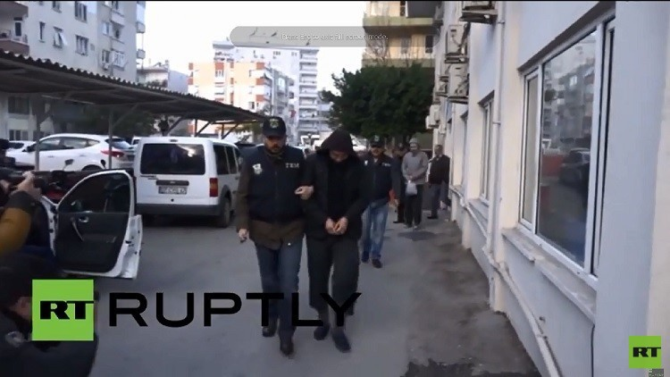 موسكو: أحد المواطنين الروس المعتقلين في تركيا مطلوب لدى العدالة في بلادنا بتهمة مساندة
