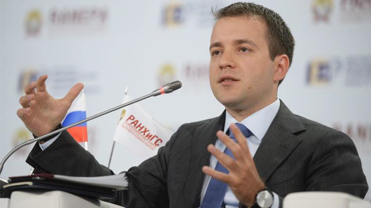 نيكيفوروف: روسيا ليست بحاجة الى نظام تشغيل خاص