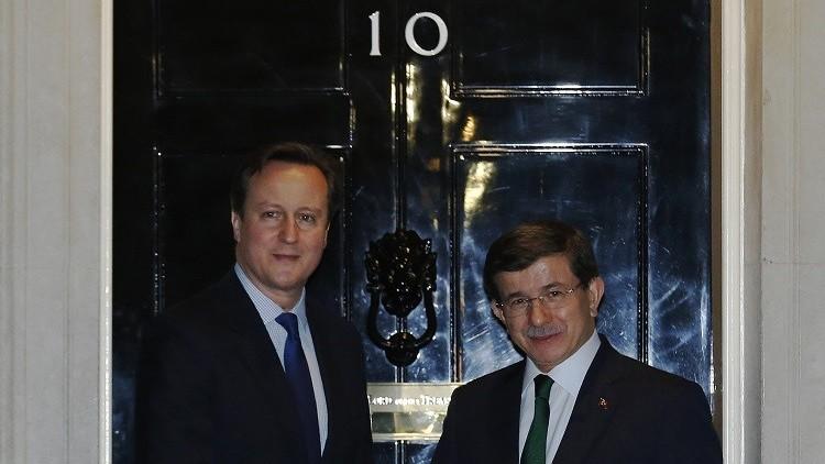 بريطانيون يطالبون كاميرون بالضغط على أوغلو لإنهاء الحملة على حرية التعبير