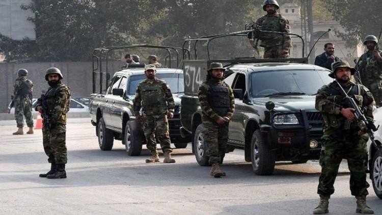 مقتل 5 جنود بتفجير غرب باكستان