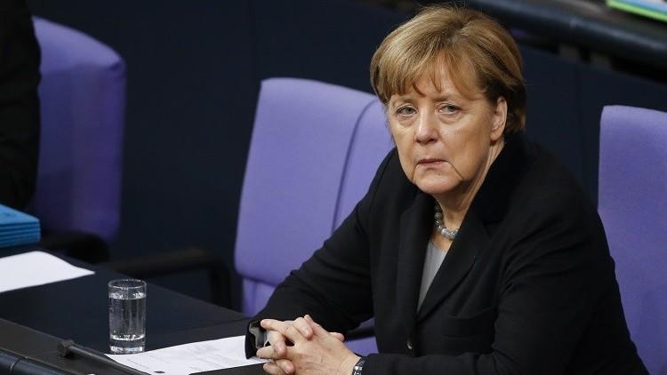 وزير ألماني يطالب بإغلاق الحدود في وجه اللاجئين