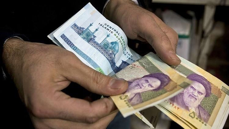 طهران تستعيد أموالها المجمدة مع رفع العقوبات