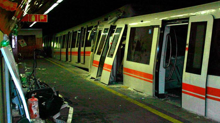 إصابة عشرات الطلاب بتصادم قطارين في إيطاليا