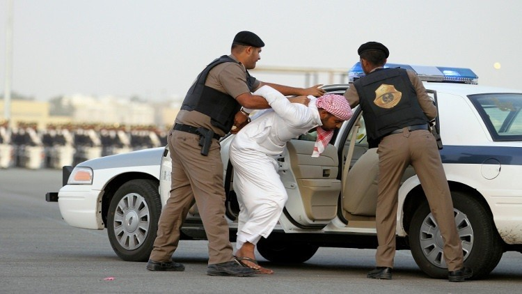القبض على متورط بقتل أمنيين في السعودية