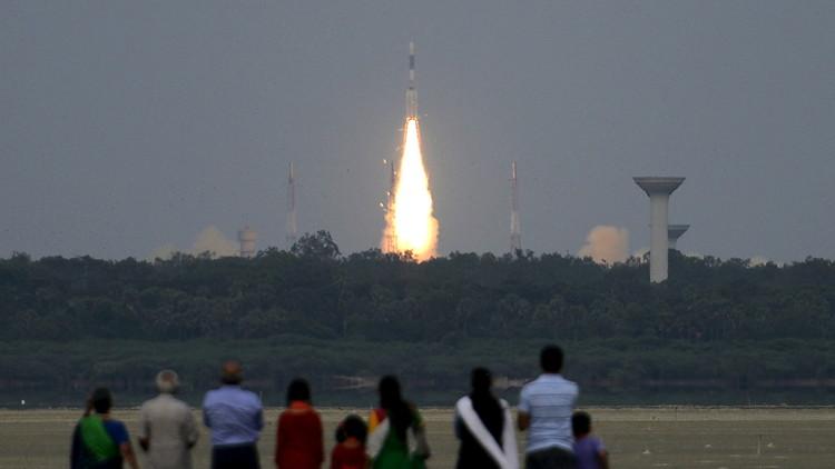 الهند تطلق قمرا صناعيا وتقترب من بناء نظامها الخاص لتحديد المواقع