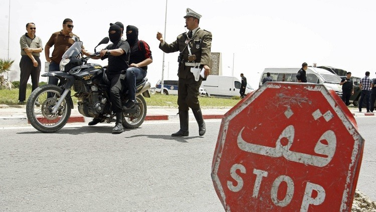 مصرع شاب تونسي على طريقة البوعزيزي