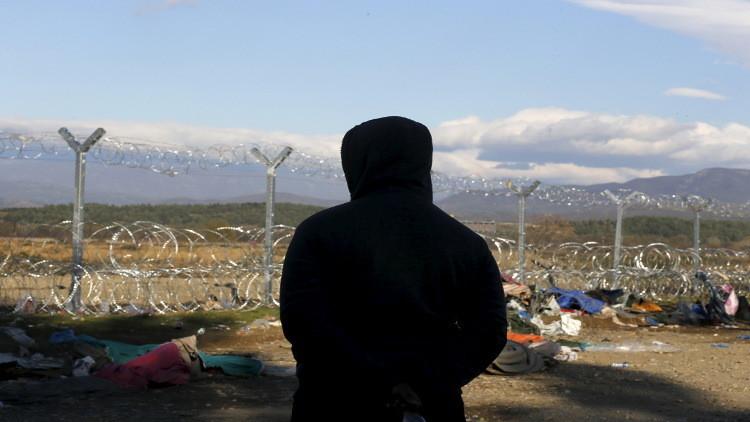 مقدونيا تغلق حدودها مع اليونان لمنع عبور اللاجئين