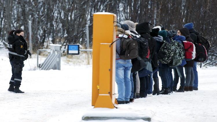 احتماء 3 لاجئين سوريين بكنيسة في النرويج خوف ترحيلهم
