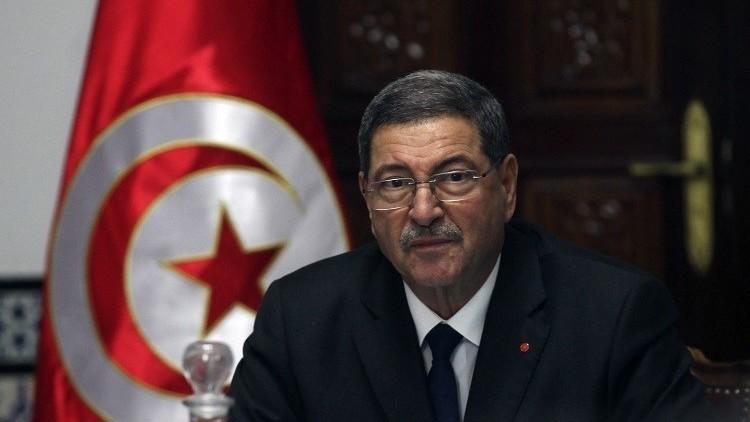 رئيس الحكومة التونسية يقرر اختصار زيارته إلى الخارج بسبب الاحتجاجات في البلاد