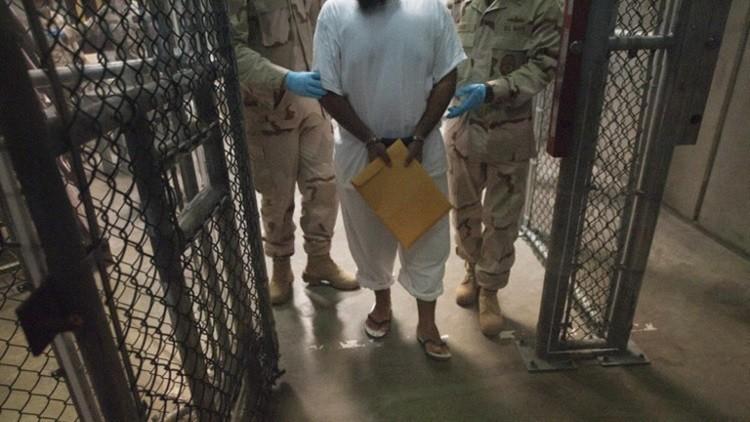 بعد 14 عاما في السجن.. معتقل يمني يرفض مغادرة غوانتانامو!