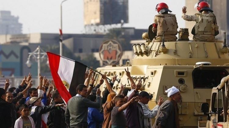 ذكرى 25 يناير.. ميادين مصر تحت قبضة القوات المسلحة والضرب بـ