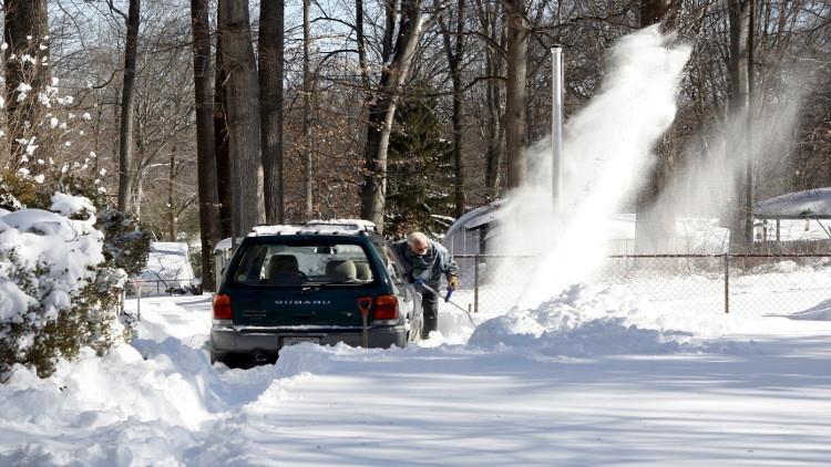ارتفاع عدد ضحايا العاصفة الثلجية بالولايات المتحدة إلى 41 قتيلا