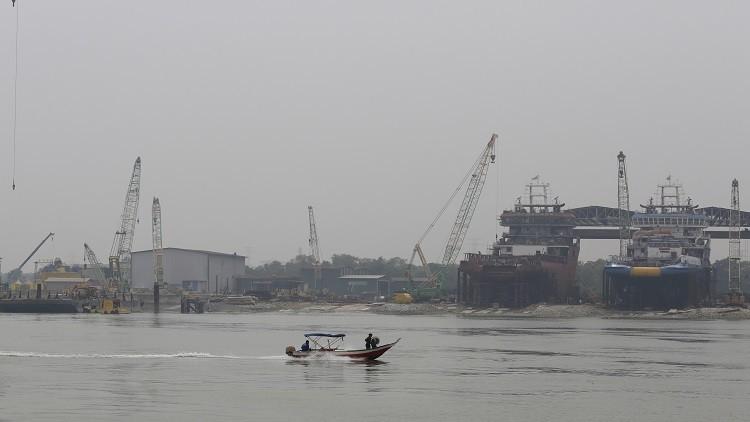 العثور على 13 جثة على ساحل ماليزيا