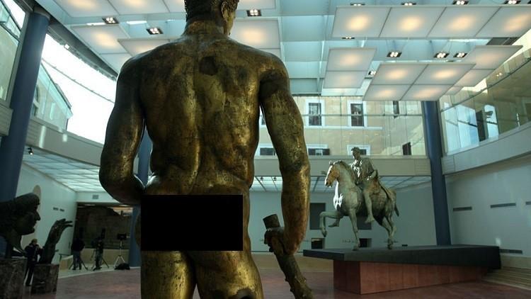 روحاني: لم نطالب بستر التماثيل العارية في إيطاليا
