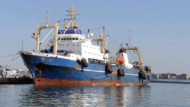 السويد توقف سفينة تركية