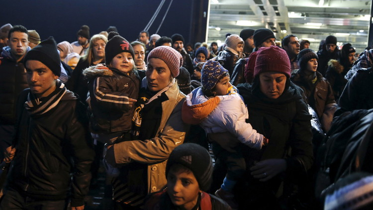 توقعات بوصول 1.5 مليون لاجئ إلى أوروبا عام 2016