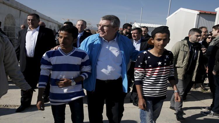 توماس باخ: فريق من اللاجئين سيشارك في الألعاب الأولمبية بريو دي جانيرو
