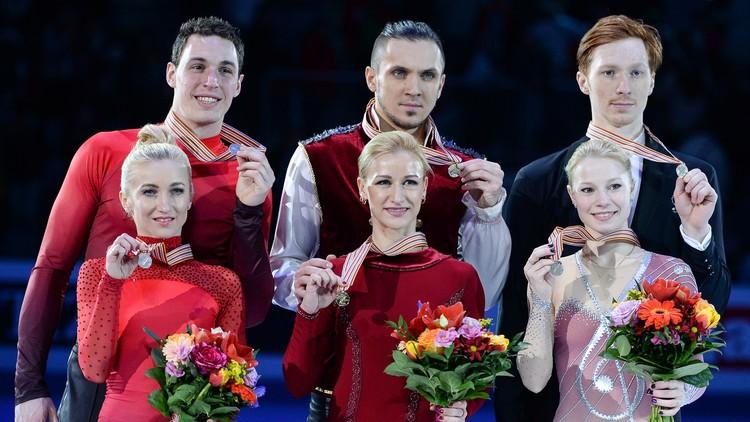 الزوجي الروسي فولسوجار وترانكوف يتوج بذهبية الرقص الفني على الجليد (فيديو)