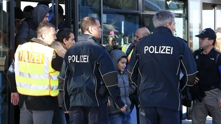 المخابرات الألمانية تقايض اللاجئين.. الحماية مقابل التجسس