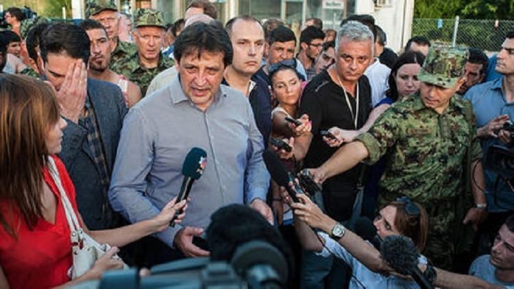 تلميح جنسي لصحفية قد يقيل وزير الدفاع الصربي