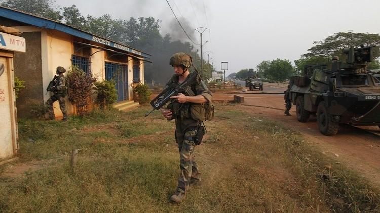 باريس تقلص جنودها في إفريقيا الوسطى