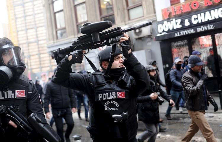 ألمانيا.. مسيرة مؤيدة للأكراد في برلين تطالب بوقف