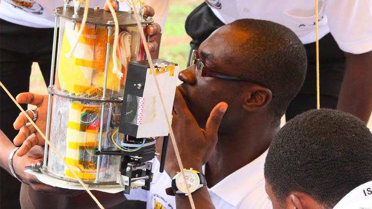 لماذا تبدأ غانا برنامجا للفضاء؟