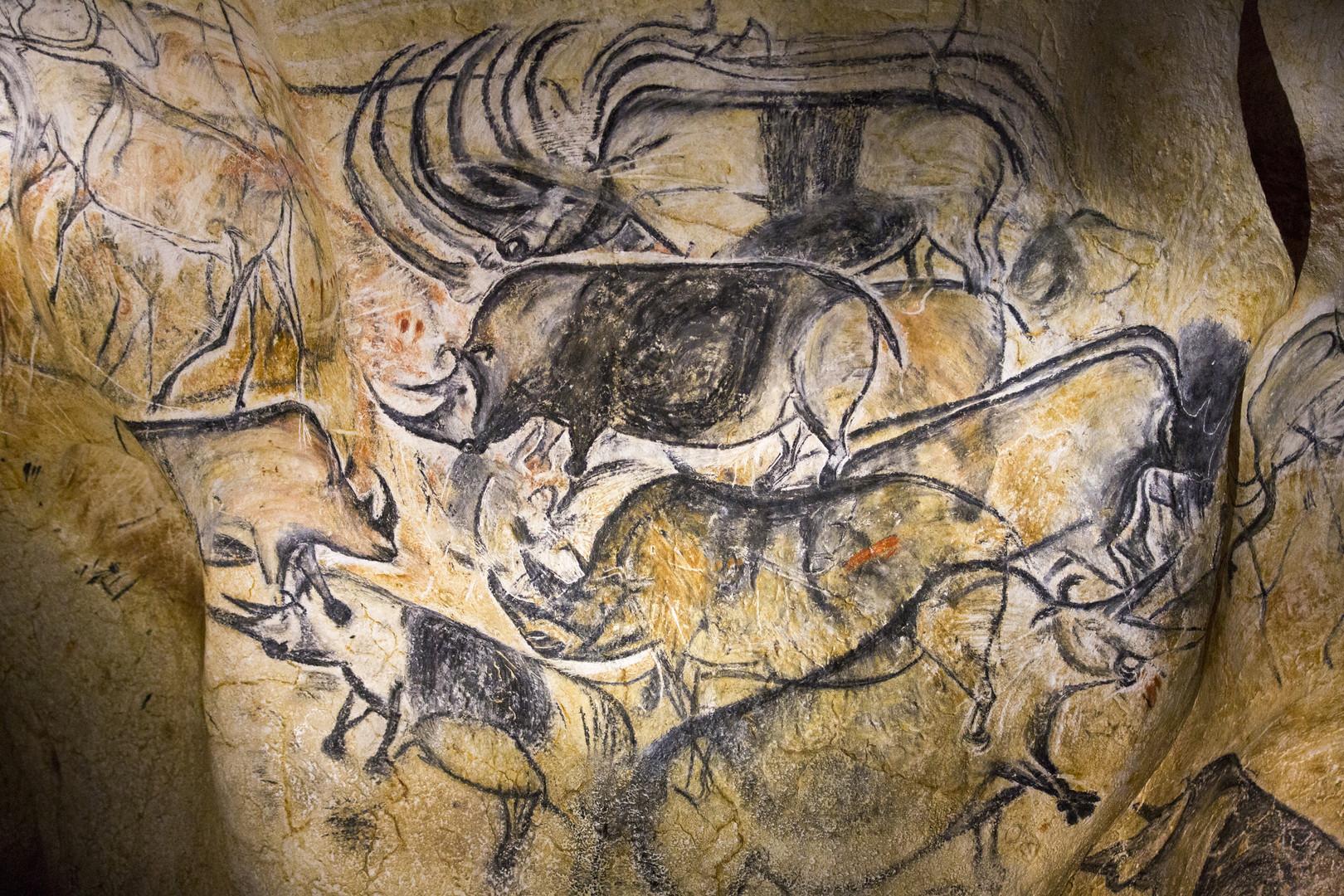 بالصور ... رسومات منذ 35 ألف عام تكشف عن أولى الكوارث الطبيعية في العالم