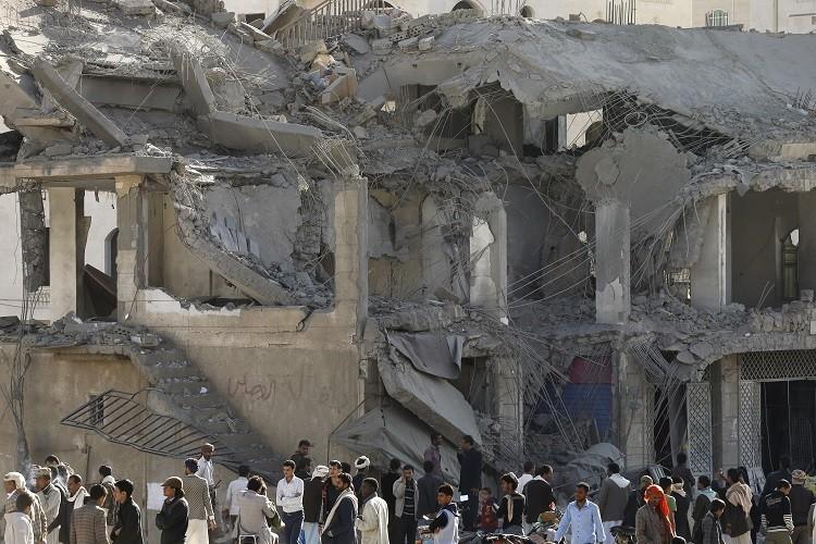 وزير بريطاني: جرائم الحرب بقيادة التحالف في اليمن قد تكون مفبركة من قبل الحوثيين