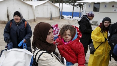 لاجئات