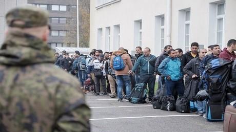 لاجئون في مركز خاص في أوروبا
